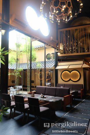 Foto 1 - Interior di Okuzono Japanese Dining oleh EATBITESNAP // Tiffany Putri