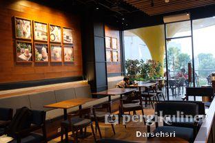 Foto 9 - Interior di Blue Lane Coffee oleh Darsehsri Handayani