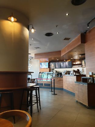 Foto 4 - Interior di Maxx Coffee oleh Hendry Jonathan