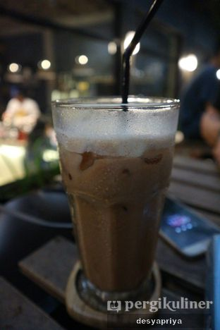 Foto 3 - Makanan(Tiramisu Latte) di Maraca Books and Coffee oleh Desy Apriya