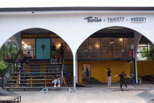 Foto review Thirsty & Hungry oleh yudistira ishak abrar 26
