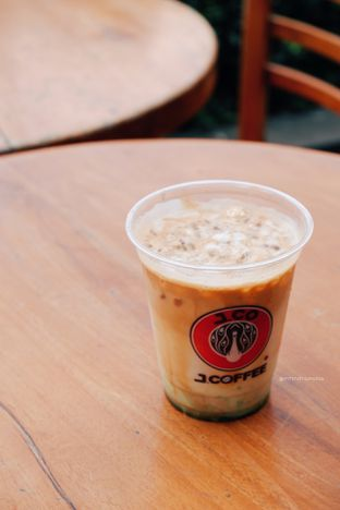 Foto 2 - Makanan di J.CO Donuts & Coffee oleh Indra Mulia