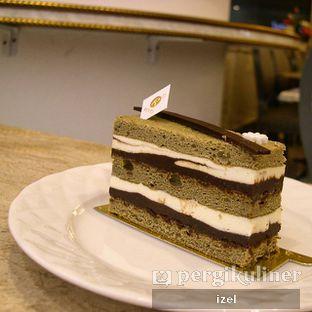 Foto - Makanan(Chocolate greentea torte) di Revel Cafe oleh izel / IG:Grezeldaizel