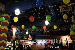 Foto 9 - Interior di Amigos Bar & Cantina oleh Velvel