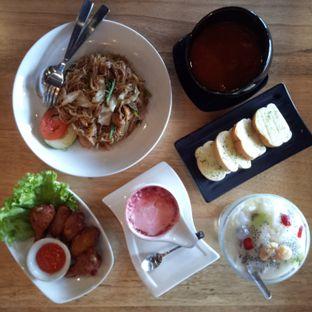 Foto - Makanan di Bernardi The Factory Shop & Resto oleh Dwi Wahyu Nuryati
