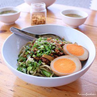 Foto 1 - Makanan di Bakmi Lamlo oleh IG : Heyyunita