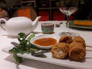 Foto 6 - Makanan(Lumpia Petak 9) di Meradelima Restaurant oleh Leonita Maulidyanti
