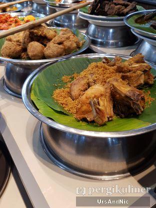 Foto 6 - Makanan di Nasi Kapau Juragan oleh UrsAndNic