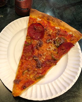 Foto 4 - Makanan(Hellboy + extra anchovies) di Pizza Place oleh Claudia @grownnotborn.id