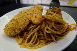 Foto review Drop Off Kitchen & Bar oleh Yuni   1
