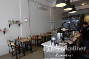 Foto 7 - Interior di The Caffeine Dispensary oleh Darsehsri Handayani