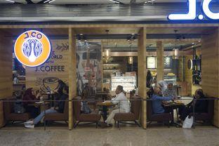 Foto 10 - Interior di J.CO Donuts & Coffee oleh yudistira ishak abrar