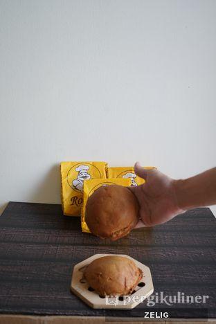 Foto 1 - Makanan di Roti 'O oleh @teddyzelig