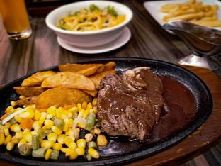 Foto - Makanan(Tenderloin Steak) di Steak 21 oleh Nyonya Suka Dolan