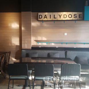 Foto 9 - Interior di Dailydose Coffee & Eatery oleh Ladyonaf @placetogoandeat