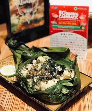 Foto 1 - Makanan(Nasi Bakar Tongkol Asap Cabe Hijau) di Remboelan oleh @stelmaris