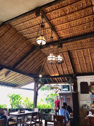Foto 4 - Interior di Warung Taru (Rumah Kayu) oleh Fadhlur Rohman