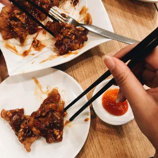 Foto 1 - Makanan(Tahu Goreng Ayam Saus Tawan) di Ta Wan oleh Della Ayu