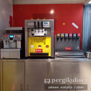 Foto 5 - Interior di Flip Burger oleh @NonikJajan