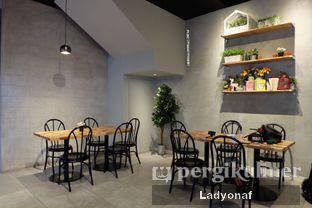 Foto 12 - Interior di Daily Press Coffee oleh Ladyonaf @placetogoandeat