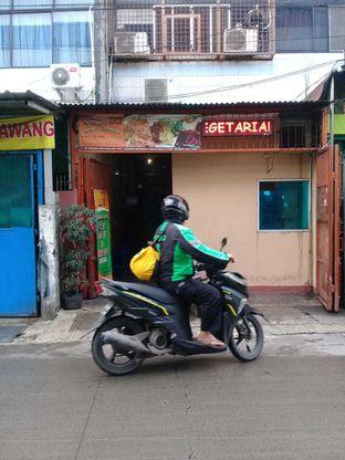 Foto 3 - Eksterior di Vegetarian Bakmie Garing H-P (Hot Pedas) oleh Kaleejah