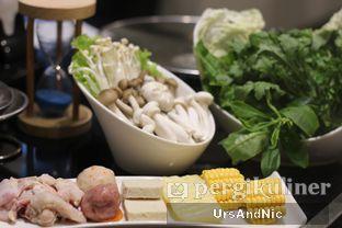 Foto 1 - Makanan di Phoenix Coconut Chicken Shabu - Shabu oleh UrsAndNic