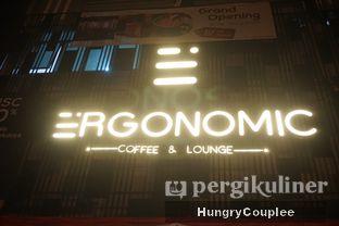 Foto 3 - Interior di Ergonomic Coffee & Lounge oleh Hungry Couplee