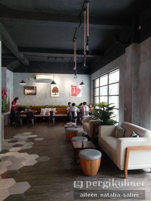 Foto 9 - Interior di Grob Kaffee oleh @NonikJajan