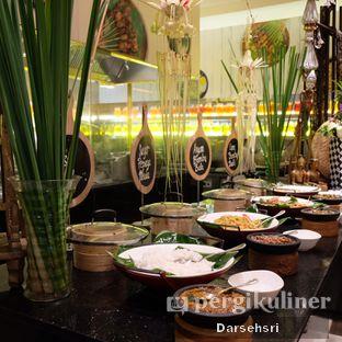 Foto review Satoo Garden Restaurant & Lounge - Hotel Shangri-La oleh Darsehsri Handayani 11