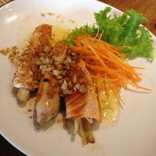 Foto 6 - Makanan(Salmon Enoki) di Poke Sushi oleh Pengembara Rasa