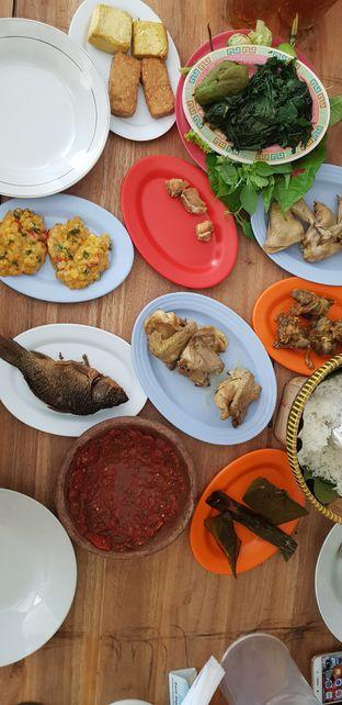 Foto 1 - Makanan di RM Ibu Haji Cijantung oleh Meri @kamuskenyang