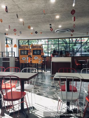 Foto 5 - Interior di BurgerUP oleh Michelle Juangta