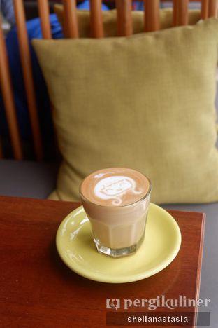 Foto 8 - Makanan(Hot Latte) di Glosis oleh Shella Anastasia