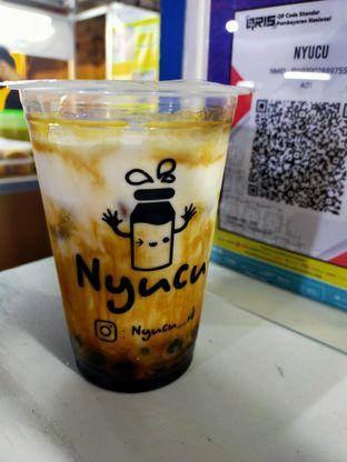 Foto review NYUCU oleh Komentator Isenk 1
