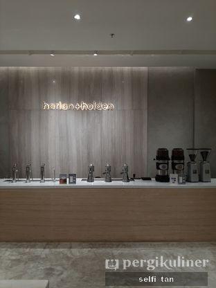 Foto 4 - Interior di Harlan + Holden Because Coffee oleh Selfi Tan