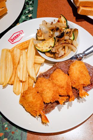 Foto 18 - Makanan di Denny's oleh Indra Mulia