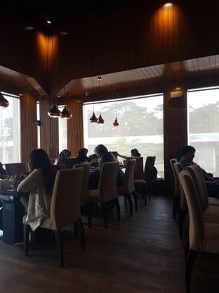 Foto 5 - Interior di Hachi Grill oleh Olivia @foodsid