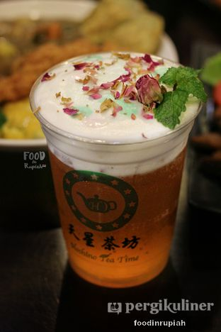 Foto 3 - Makanan(Ice Rose Green Milk Tea) di Hoshino Tea Time oleh foodinrupiah