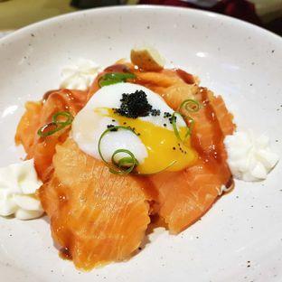 Foto 3 - Makanan(Smoked salmon hash with eggs) di Joe & Dough oleh foodstory_byme (IG: foodstory_byme)