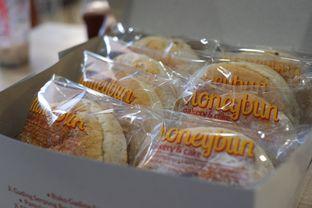 Foto 7 - Makanan di Honeybun Bakery & Cake oleh Deasy Lim