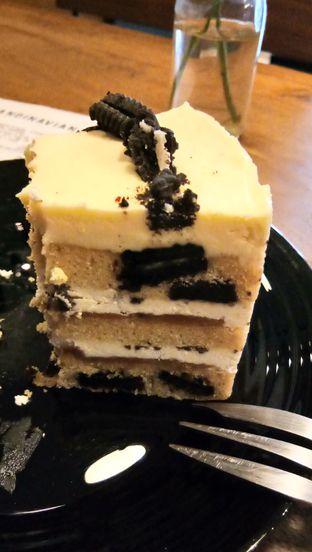 Foto 3 - Makanan(Oreo Peanut Cake) di Scandinavian Coffee Shop oleh Komentator Isenk