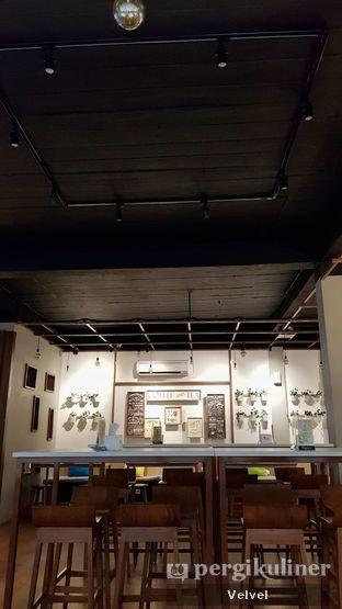 Foto 6 - Interior di Warung Bos oleh Velvel
