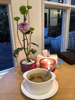 Foto 11 - Makanan di Wyl's Kitchen - Veranda Hotel Pakubuwono oleh FebTasty  (Feb & Mora)