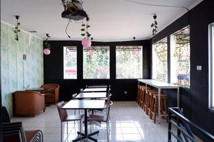 Foto 13 - Interior di Better Nature Coffee oleh yudistira ishak abrar