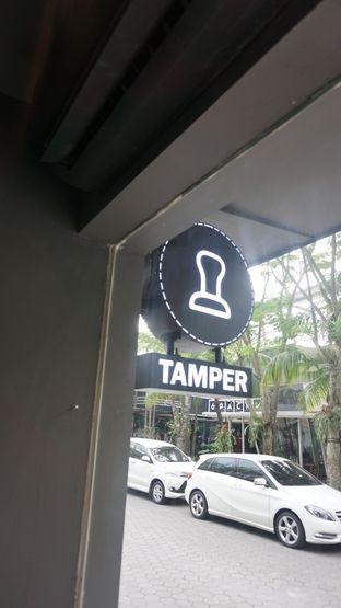 Foto 10 - Interior di Tamper Coffee oleh Meri @kamuskenyang