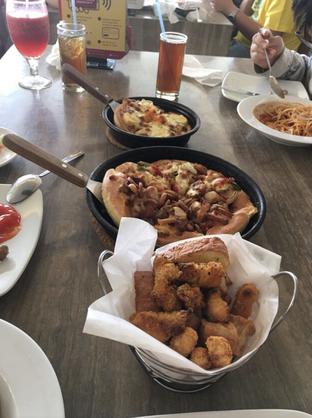 Foto 4 - Makanan di Pizza Hut oleh IG @riani_yumzone