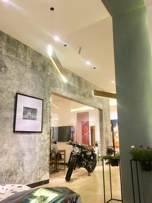 Foto 30 - Interior di Artivator Cafe oleh Prido ZH