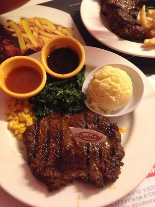 Foto 3 - Makanan di Holycow! STEAKHOUSE by Chef Afit oleh Almira  Fatimah