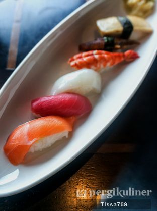 Foto 17 - Makanan(Assorted Sushi) di Enmaru oleh Tissa Kemala