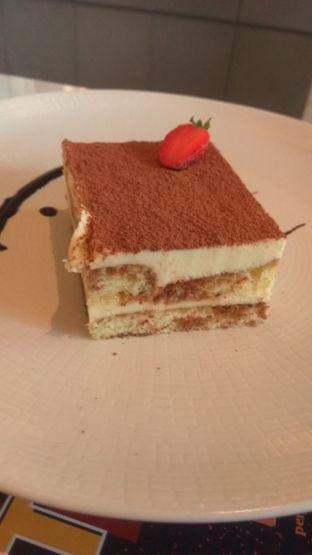 Foto 9 - Makanan(tiramisu cake) di 91st Street oleh Renodaneswara @caesarinodswr